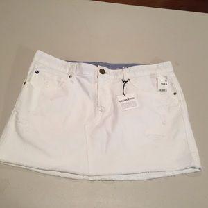 White GAP 1969 Destructed Denim Skirt-29/8